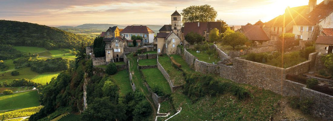Tourisme en Bourgogne-Franche-Comté : découvrez la beauté des montagnes du Jura